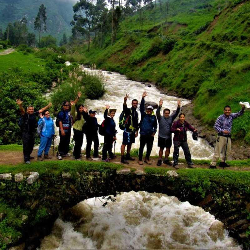 alta-montana-trekking_lima-escuela-zenda-montanismo